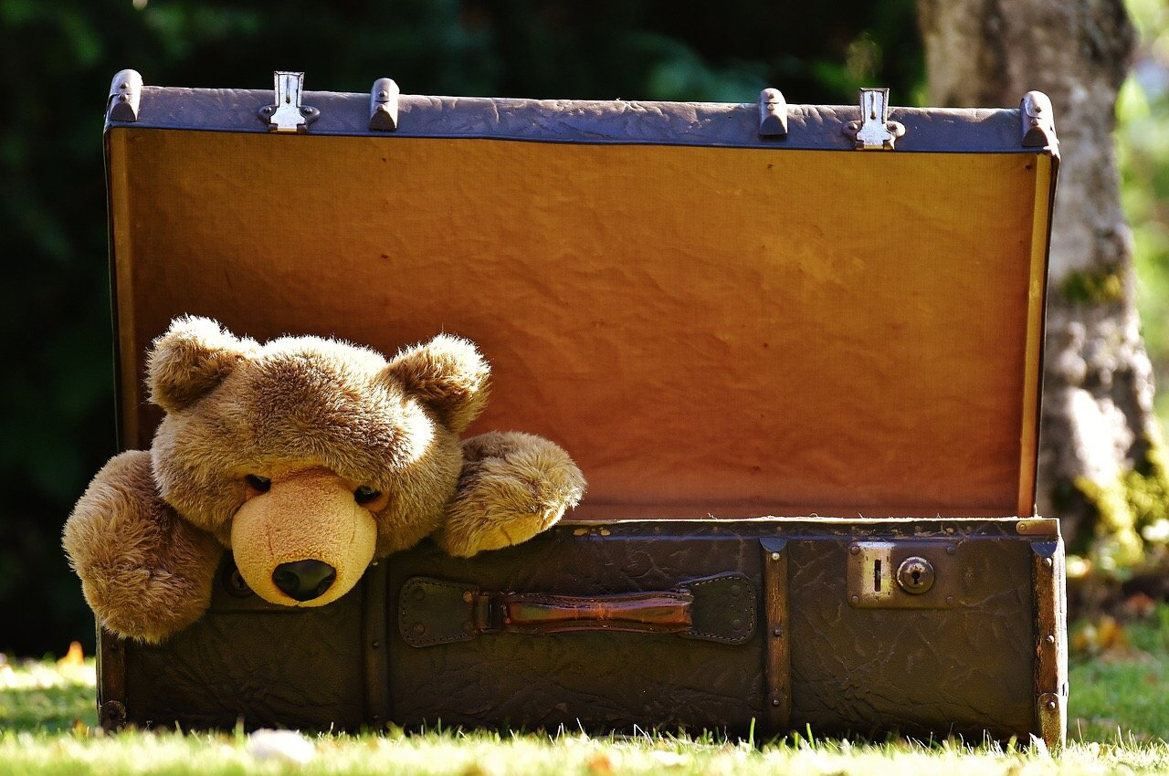 how to pack family suitcase